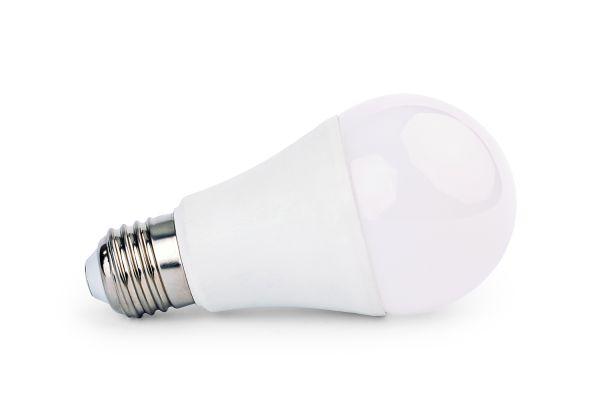 Akce: Stmívatelná LED žárovka E27 14W 1260lm studená 3+1