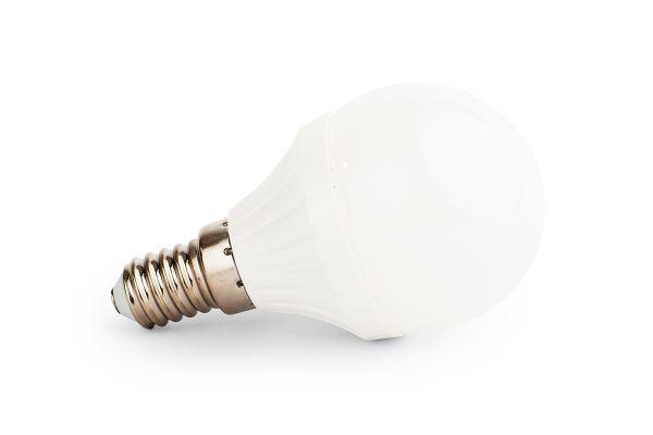 Akce: LED žárovka E14 4W 400lm G45 studená 3+1