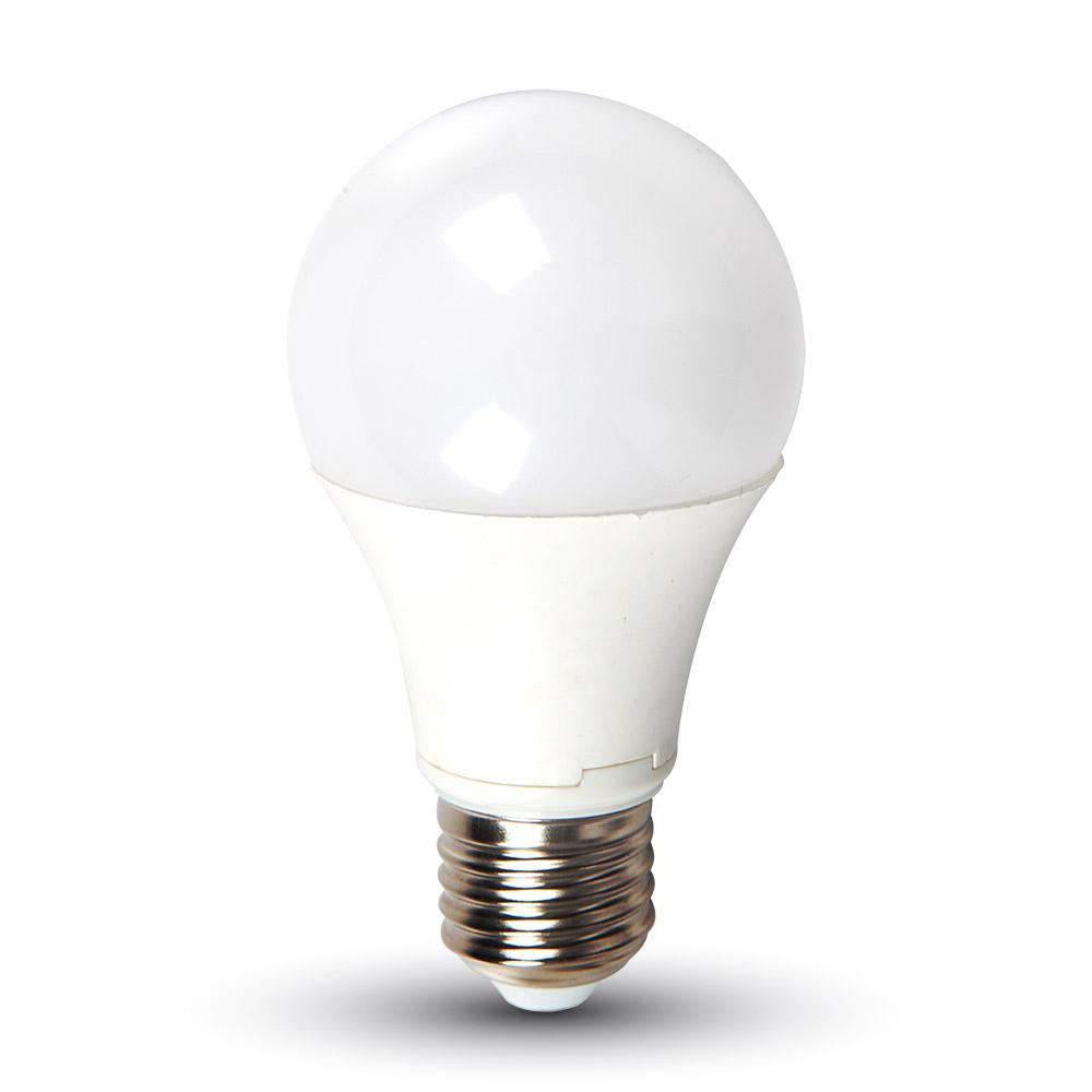 LED žárovka E27 7W 470lm studená, ekvivalent 40W