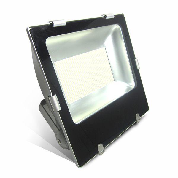 Ultratenký LED reflektor černý 400W 32000lm studený