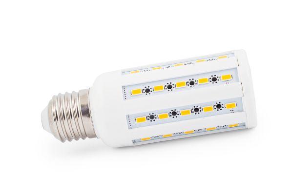 Akce: LED ��rovka E27 10W 750lm tepl� 3+1 zdarma