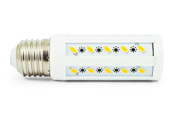 Akce: LED žárovka E27 8W 720lm studená 3+1